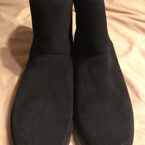 NWOT UGGS BOOTS